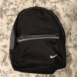 Nike Classic Kids Mini Backpack
